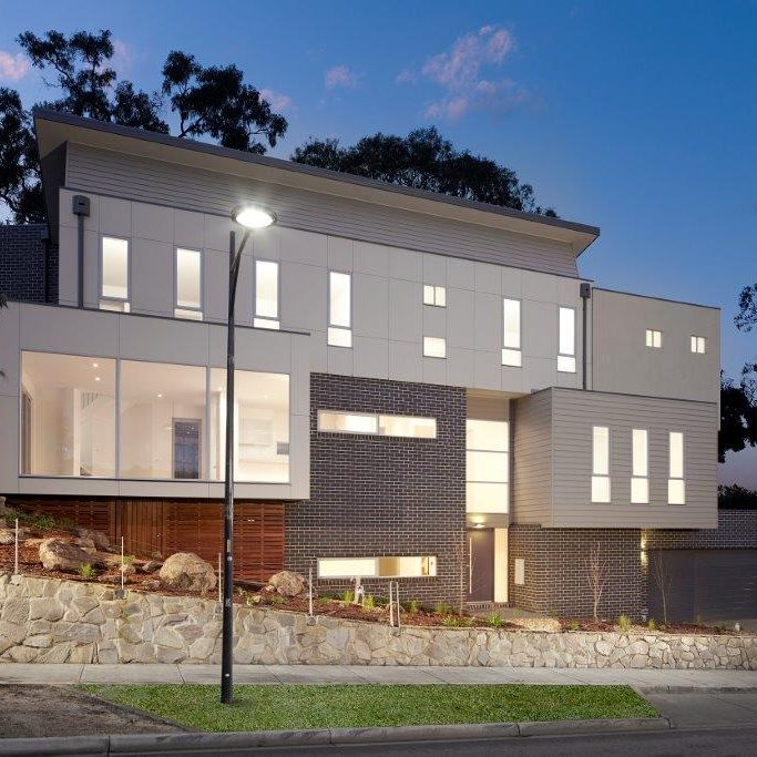 Large Comtemporary Home Built on a Sloping Block
